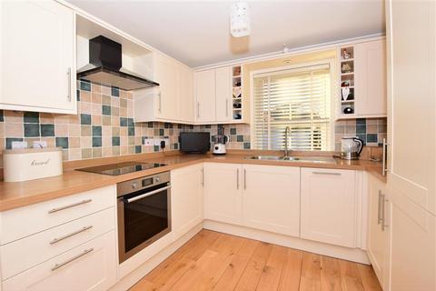 3 bedroom detached house for sale - Station Drive, Walmer, Deal, Kent
