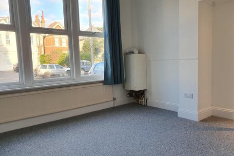 Studio to rent - Parkwood Road, Southbourne