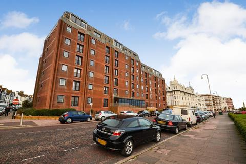 1 bedroom flat for sale - 37 Marina, Bexhill on Sea, TN40