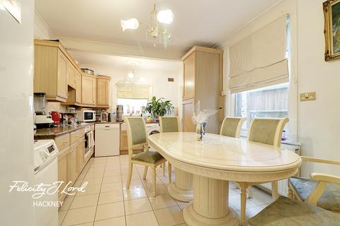 3 bedroom terraced house for sale - Kenmure Road, Hackney, E8
