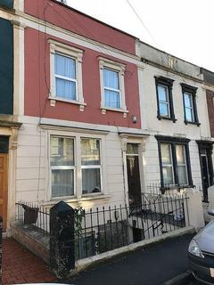 1 bedroom property to rent - 1 bedroom Hall Floor Flat in St Pauls