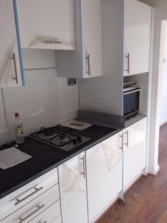 Studio to rent - Bethnal Green Road, London, E2