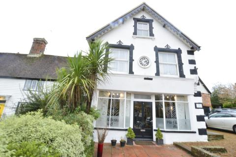 4 bedroom flat for sale - The Street,  Sedlescombe, BATTLE, East Sussex, TN33 0QE