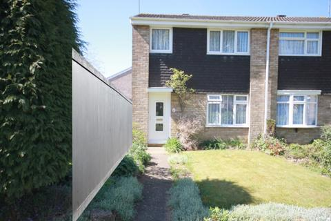 3 bedroom semi-detached house to rent - Bembridge Gardens, Luton