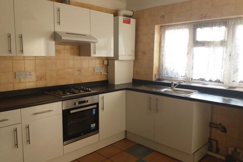 3 bedroom apartment to rent - Hampton Road West, Hanworth
