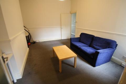 2 bedroom ground floor flat to rent - Chillingham Road, Heaton, Newcastle Upon Tyne