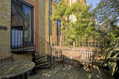 3 bedroom house to rent - Fowey Close, Wapping, London, E1W