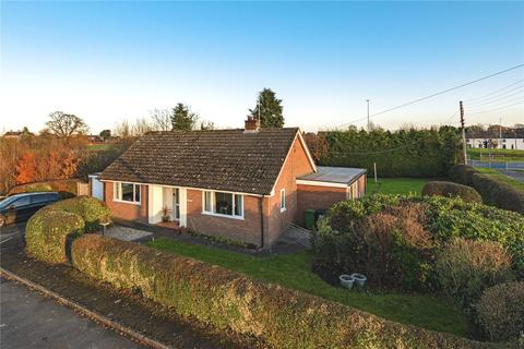 3 bedroom detached bungalow for sale - Four Crosses, Llanymynech, Powys