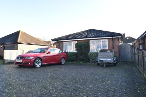 2 bedroom detached bungalow for sale - Hillcrest Gardens, Deal