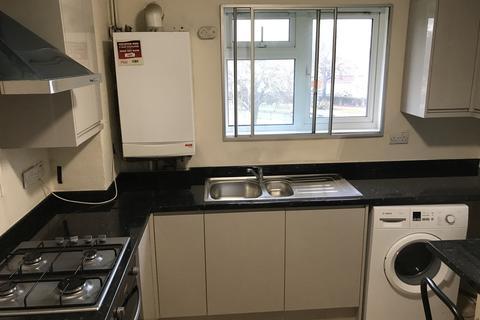 2 bedroom flat to rent - Hounslow West