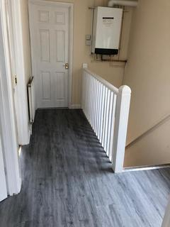 2 bedroom flat to rent - Staines Road, Bedfont