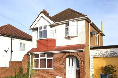 3 bedroom detached house to rent - Bedfont Lane, Feltham, Middlesex
