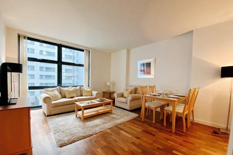 1 bedroom apartment to rent - Discovery Dock Apartments West, South Quay, E14