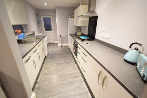 3 bedroom semi-detached house for sale - Watt Street, Hull