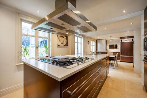 5 bedroom semi-detached house - St Johns Wood, London, NW8