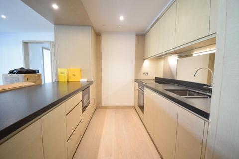 2 bedroom flat to rent - Embassy Gardens, Nine Elms, London, London, SW11 7AY