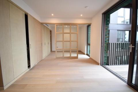 Studio to rent - Embassy Gardens, Nine  Elms, London, SW8 5BL