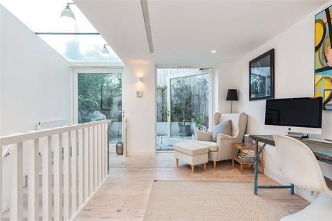 2 bedroom terraced house for sale - Wellington Row, Bethnal Green, London, E2