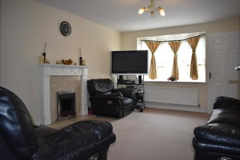 3 bedroom terraced house to rent - PETTACRE CLOSE, WEST THAMESMEAD, LONDON, SE28 0BU