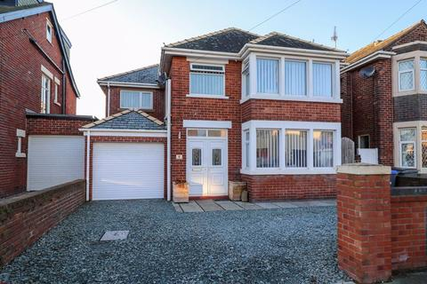 3 bedroom detached house for sale - Bentinck Avenue, Blackpool