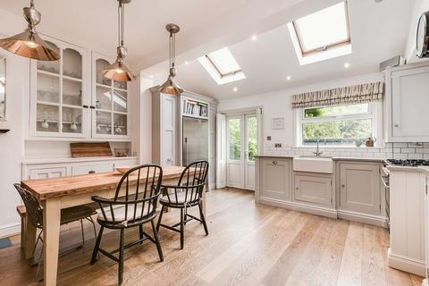 4 bedroom terraced house for sale - Normanton Avenue, London