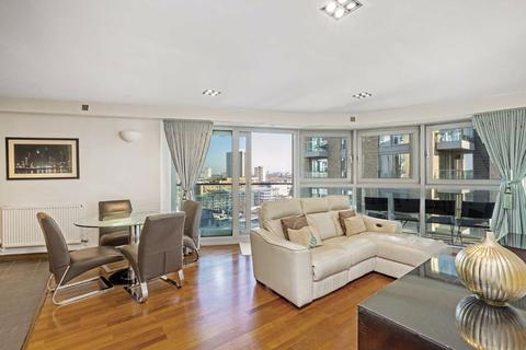 2 bedroom flat to rent - Orbis Wharf, Battersea, London, SW11