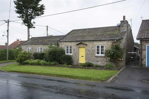 2 bedroom bungalow for sale - Newsham, Richmond