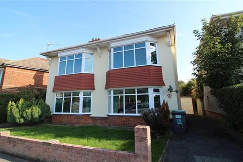4 bedroom detached house to rent - Withermoor Road, Bournemouth
