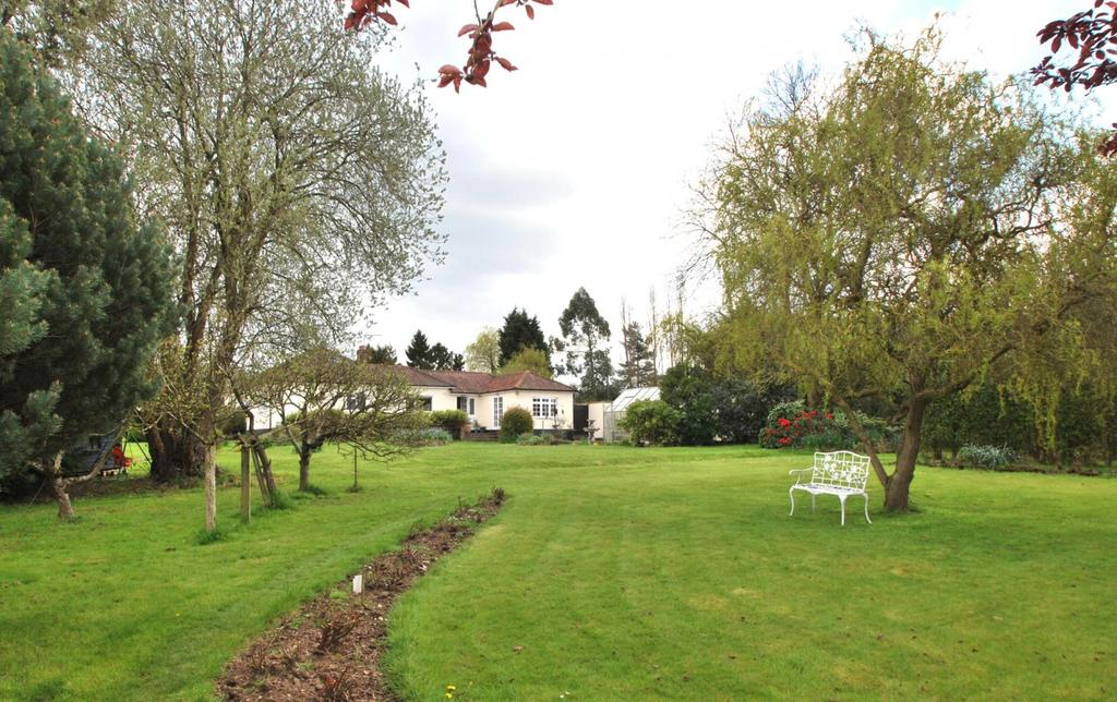 4 Bedrooms Detached Bungalow for sale in Stock, Ingatestone