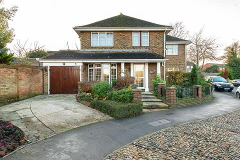 4 bedroom detached house for sale - Lonsdale Drive, Sittingbourne