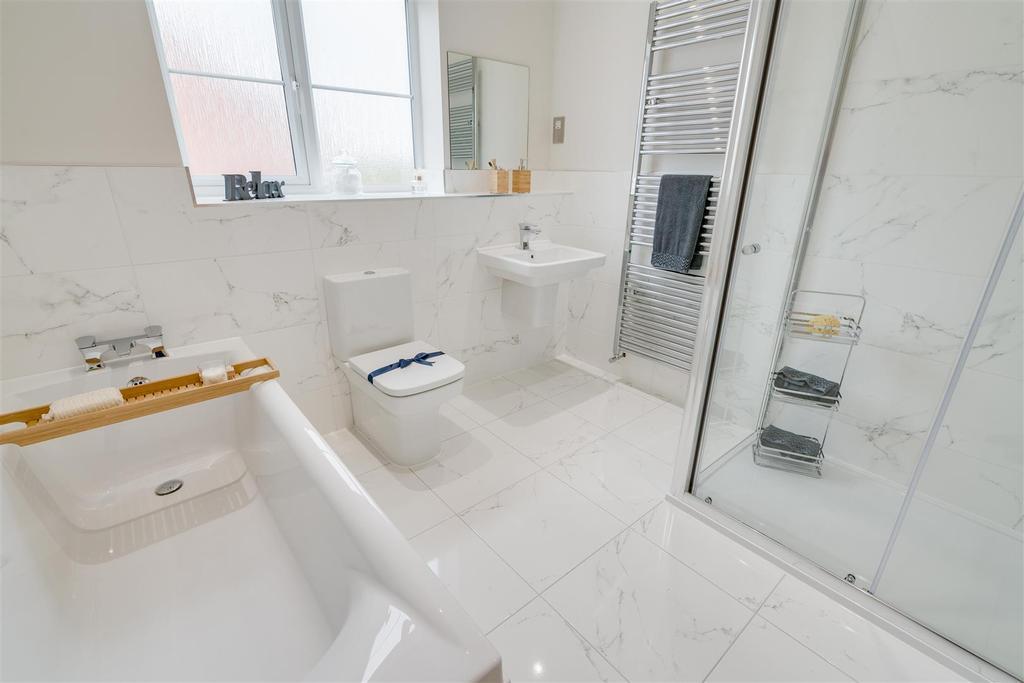 Bathroom 1.1.jpg