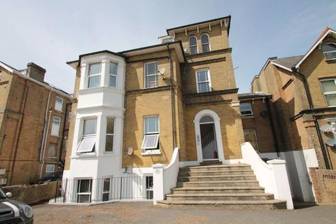 2 bedroom apartment to rent - Alexandra Road, Ryde