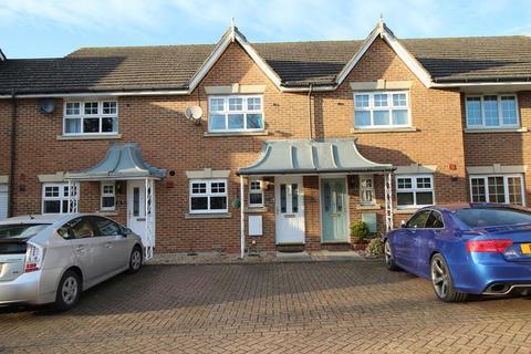 2 bedroom terraced house to rent - Burns Close, Billericay, Essex, CM11