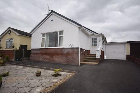 3 bedroom bungalow to rent - Willow Road, Wrexham