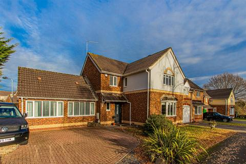 4 bedroom detached house for sale - William Nicholls Drive, Old St. Mellons, Cardiff