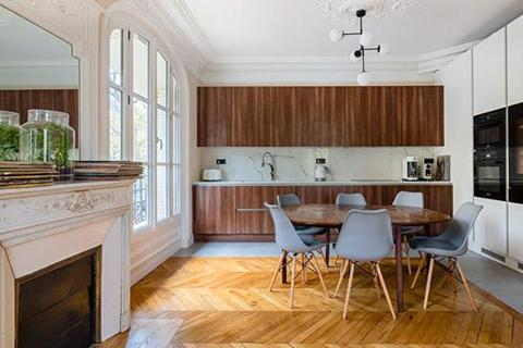 3 bedroom apartment - PARIS, 75015