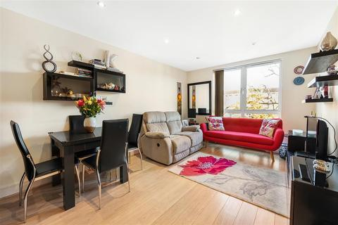 2 bedroom flat for sale - Eltringham Street, SW18
