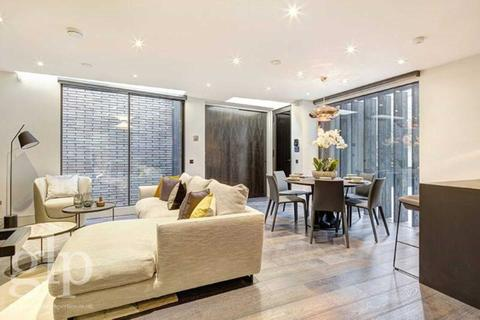 4 bedroom house for sale - Southwick Yard, Hyde Park, W2