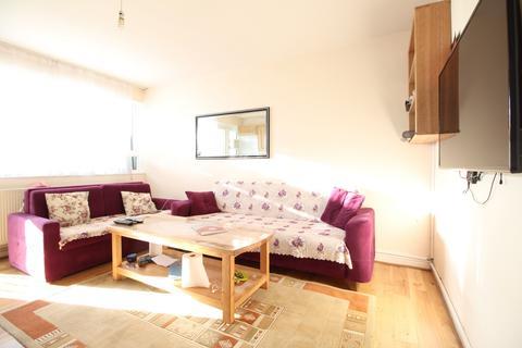 2 bedroom flat to rent - Morland Estate, Richmond Road, London Fields, E8
