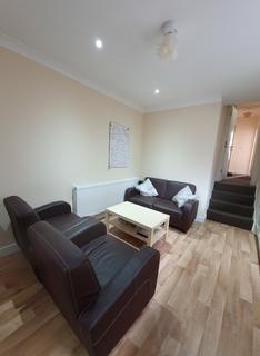 3 bedroom flat to rent - Upper Tooting Road, Tooting Bec, London SW17