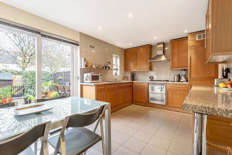 3 bedroom terraced house for sale - Collett Road Bermondsey SE16