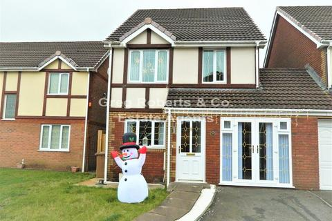 3 bedroom detached house for sale - North Rising, Pontlottyn, Caerphilly County. CF81 9PA