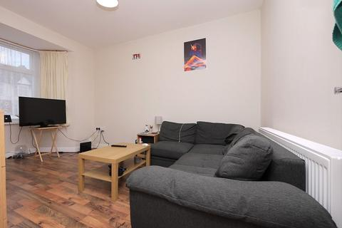 4 bedroom terraced house to rent - GORDON ROAD, ILFORD, ESSEX. IG1