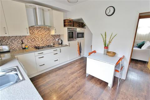 2 bedroom terraced house to rent - Murray Road, Sheffield, S11 7GG