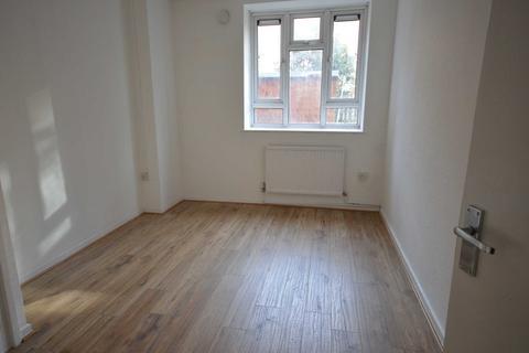 3 bedroom apartment to rent - Clarkson Street , London