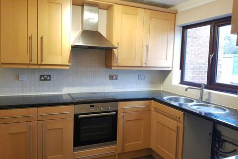 4 bedroom end of terrace house to rent - Warren Road, Chingford