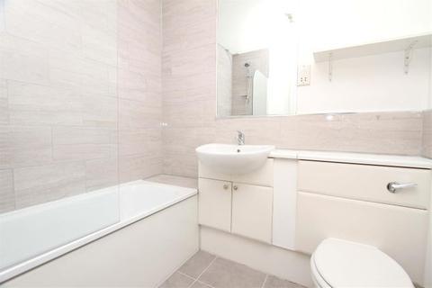 2 bedroom flat for sale - The Thomas More Building, 10 Ickenham Road, Ruislip, Middlesex, HA4