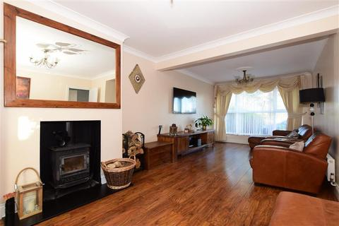4 bedroom semi-detached house for sale - Beverley Close, Hornchurch, Essex