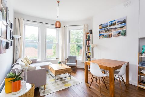 2 bedroom flat for sale - Wightman Road, Stroud Green, N4