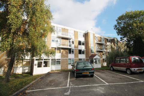 Studio to rent - Pickwick Court, 60 West Park, London, SE9